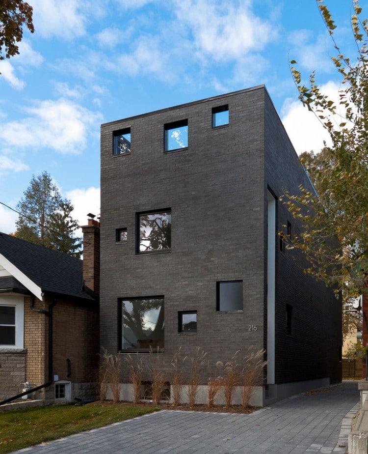 Canada la maison charcoal par l 39 atelier rzlbd - La maison rincon bates aux etats unis ...