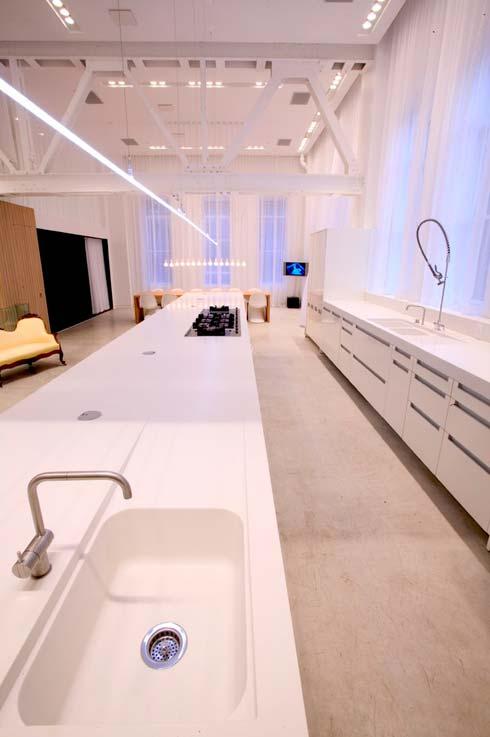 Eviers et espace cuisine du loft moderne