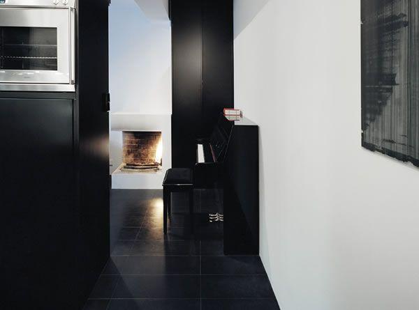 Appartement avec une décoration noire/sombre 2