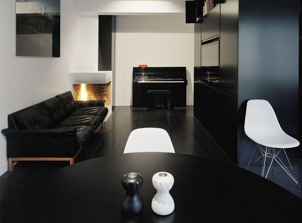Appartement avec une décoration noire/sombre 3
