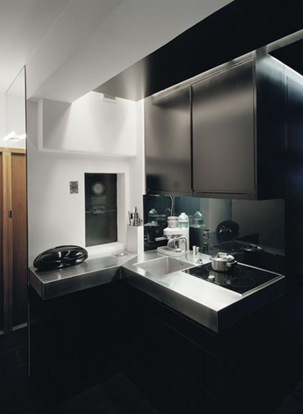 Appartement avec une décoration noire/sombre 4