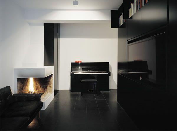 Appartement suédois à la décoration sombre 5