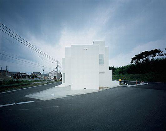 Japon une maison ultra minimaliste blanche par koichi - La maison ah au bresil par le studio guilherme torres ...
