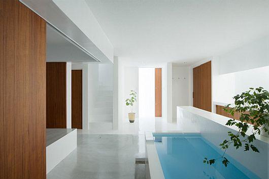 Japon une maison ultra minimaliste blanche par koichi - Zen forest house seulement pour cette maison en bois ...