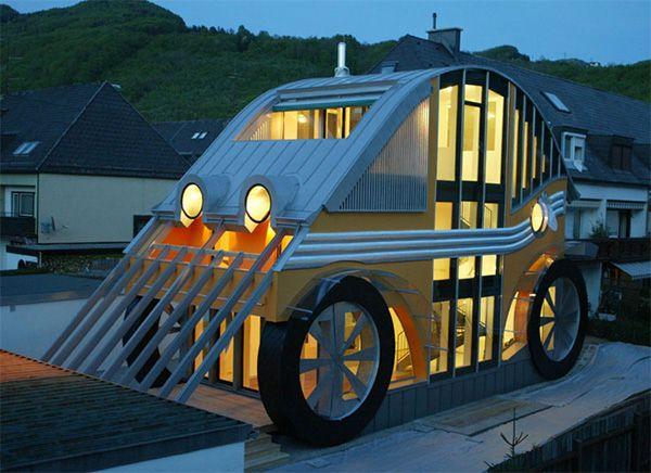 autriche la surprenante maison voiture voglreiter auto moderne house 1001 photos. Black Bedroom Furniture Sets. Home Design Ideas
