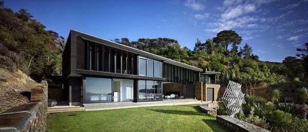 Nouvelle z lande la maison waikopua par daniel marshall - Maison simple aux details rustiques en pologne ...