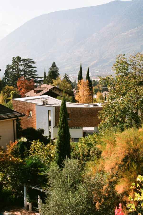 Italie la charmante villa moderne san valentino - La villa rahimona en nouvelle zelande ...