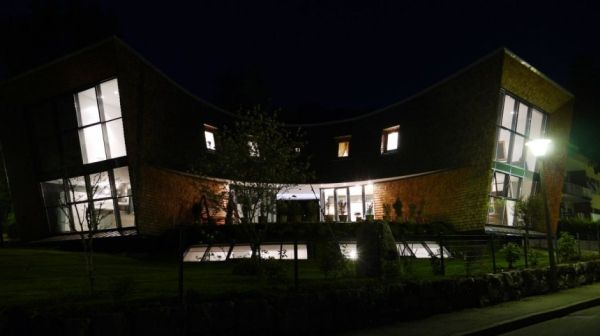 Italie la charmante villa moderne san valentino - Maison cloudy bay shack par tonkin zulaikha greer ...