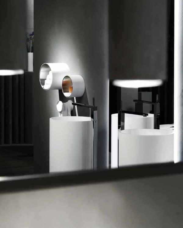 une salle de bain futuriste. Black Bedroom Furniture Sets. Home Design Ideas