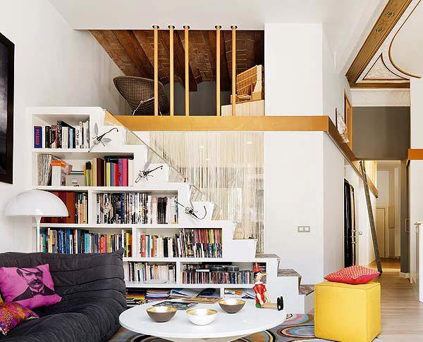 60 idées d'espaces de rangement sous l'escalier 17