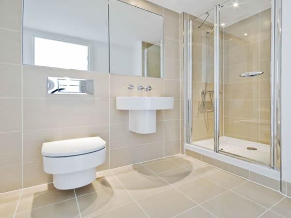15 id es design pour petite salle de bains for Salle de bain design moderne