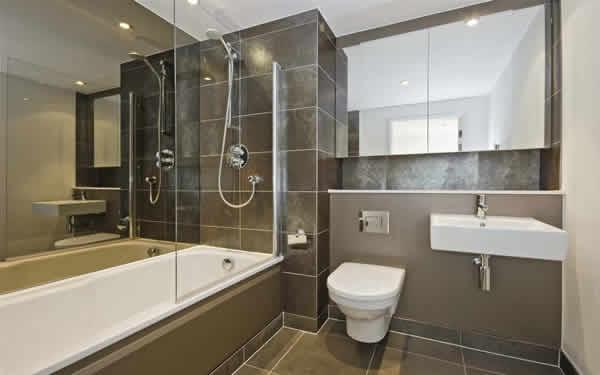 15 id es design pour petite salle de bains for Salle de bain jacuzzi