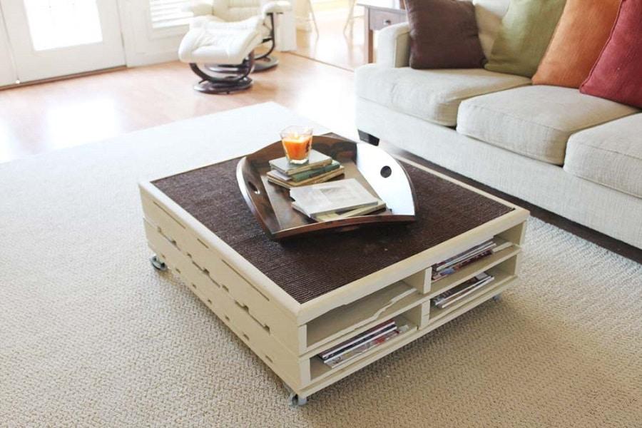 table basse en palette maj 2018 50 id es originales et ludiques. Black Bedroom Furniture Sets. Home Design Ideas