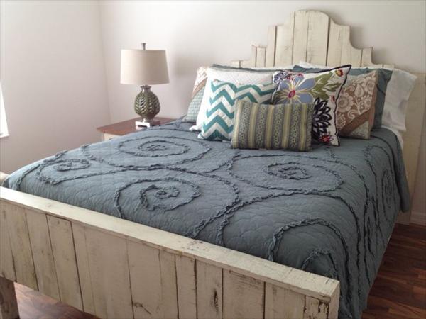 lit en palette 35 id es en 2018 pour le fabriquer vous m me. Black Bedroom Furniture Sets. Home Design Ideas