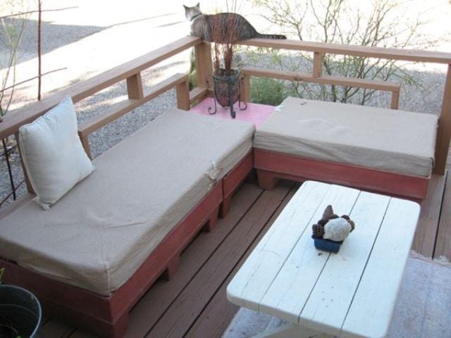 salon jardin avec palette meuble de jardin avec palette. Black Bedroom Furniture Sets. Home Design Ideas