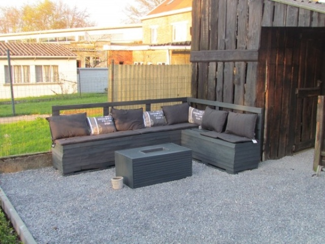 salon de jardin en palette gris. Black Bedroom Furniture Sets. Home Design Ideas