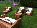 Salon de jardin fabriqué avec du bois de palettes