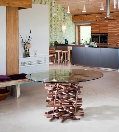 La table fun nest par macmaster design moderne house - Ne jetez plus vos clic clacs changez leurs housses ...