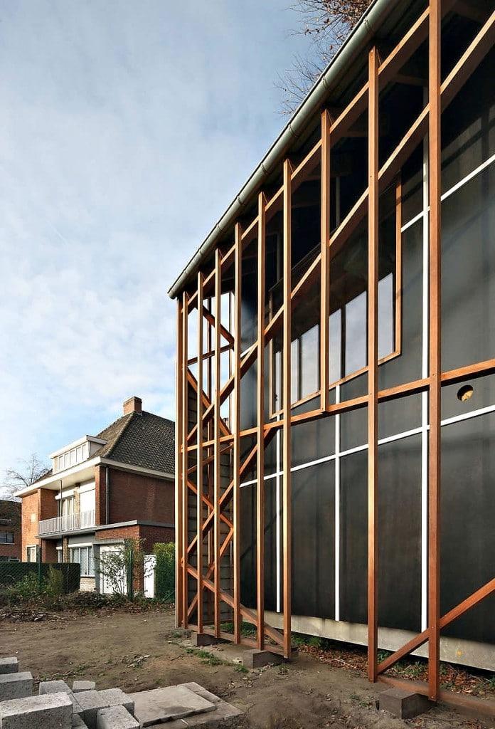 Belgique une maison contemporaine construite autour d 39 un - Maison contemporaine construite autour dun arbre ...