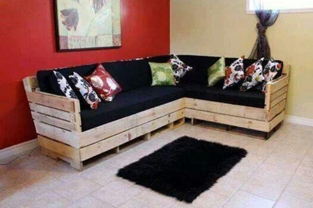 Canapé d'intérieur conçue avec des palettes de récupération