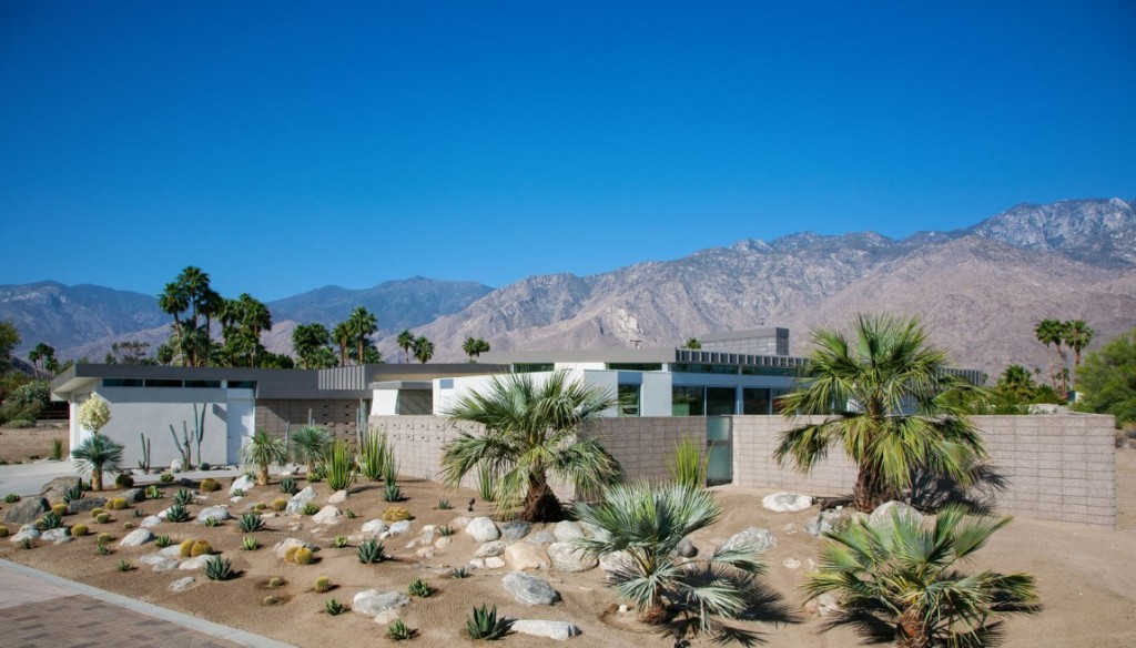 House-in-Palm-Springs-01-1150x656