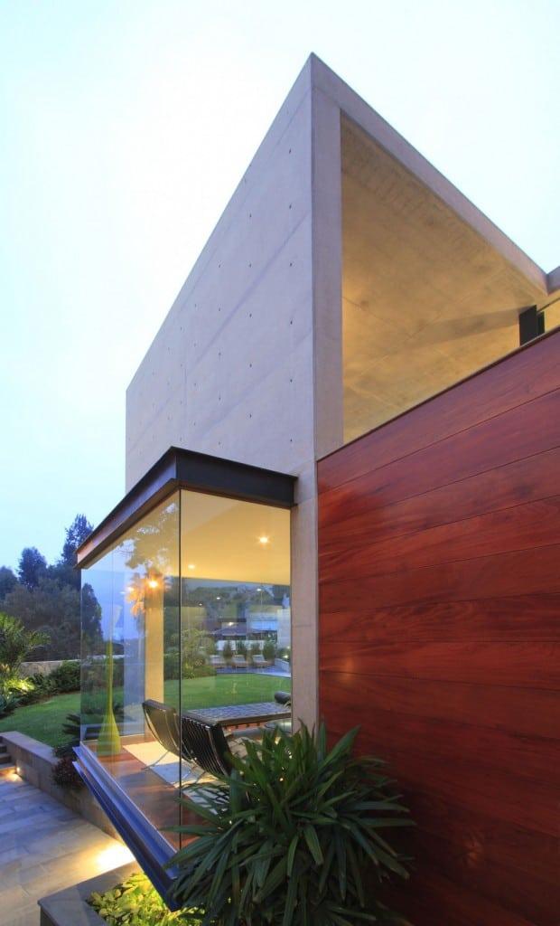 S-House-20-1030x1700