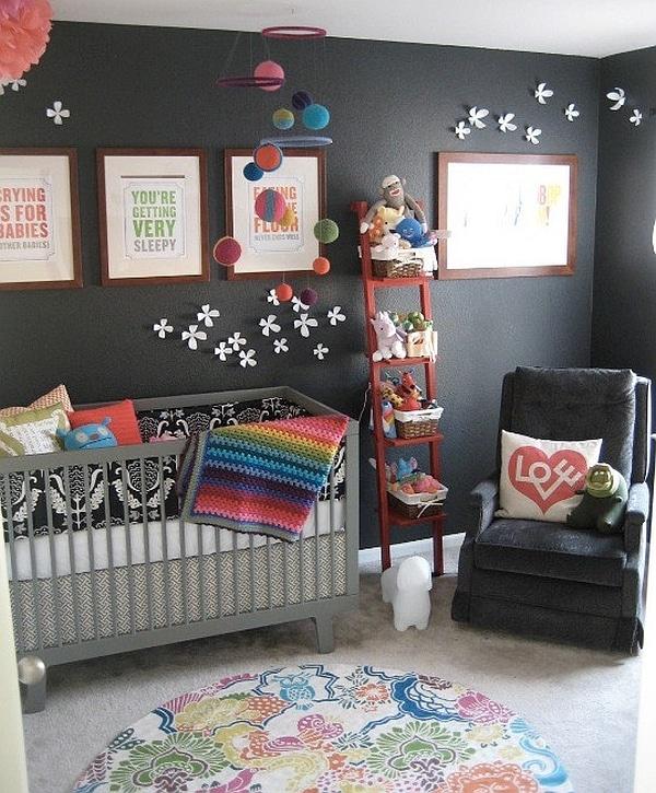 petite etagere echelle dans chambre d'enfant