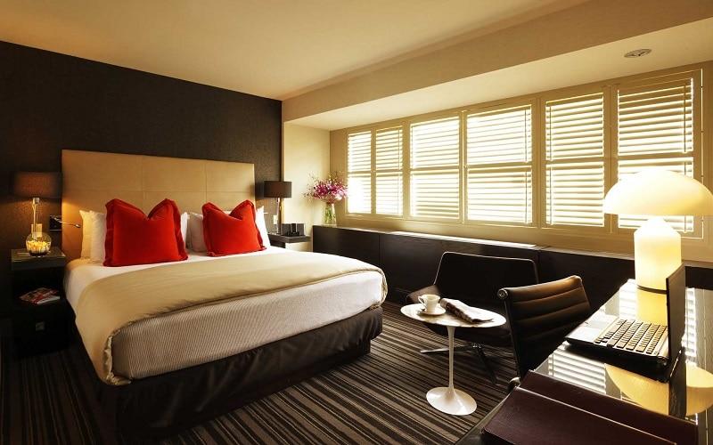 Comment décorer une chambre romantique ?