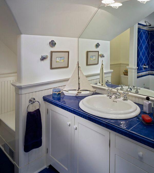 salle de bain enfant bleu blanc thème nautique