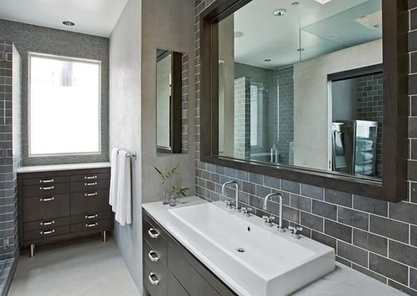 Salle de bain grise 15 id es du gris taupe l 39 ardoise - Ardoise salle de bain ...