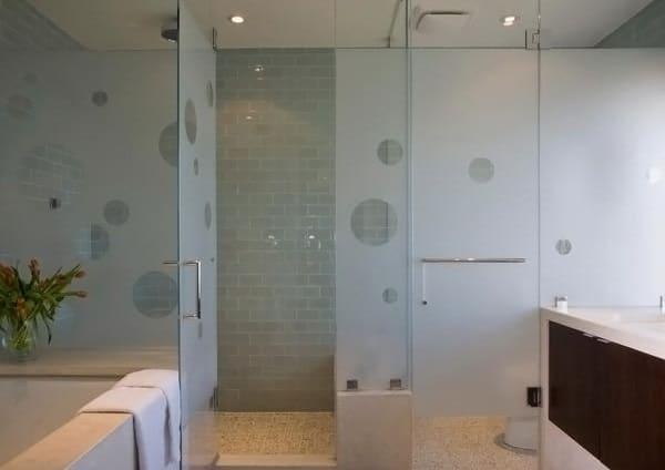 idée salle de bain carrelage mural gris