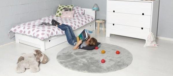 Ajouter un tapis dans une chambre d'adolescent
