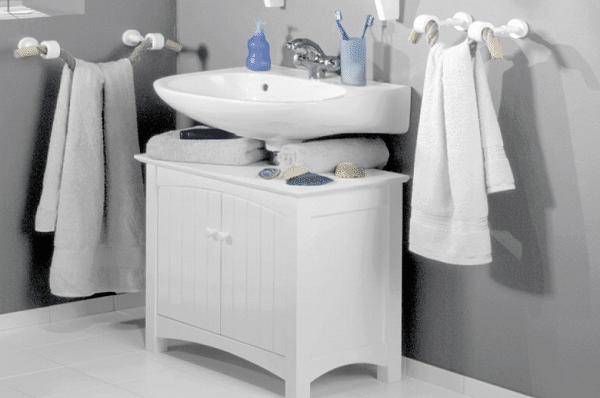 Les meilleures couleurs pour peindre une petite salle de for Peinture salle de bain avec carrelage gris