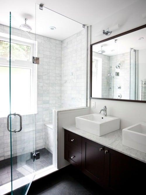 11 id es et conseils pour faire para tre une petite salle - Petite fenetre de salle de bain ...