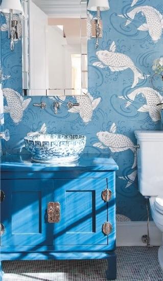 Salle de bain bleue 101 id es originales pour votre d co for Tapisserie de salle de bain