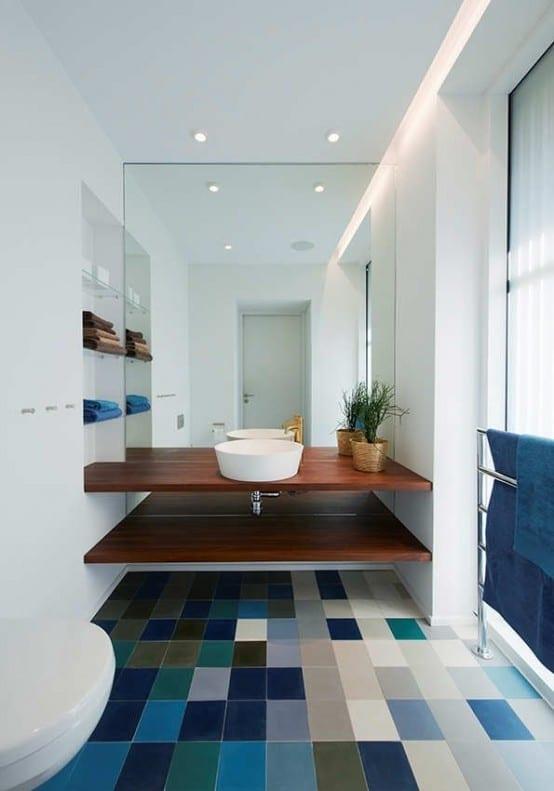 Salle de bain bleue 42 id es originales pour votre d co - Salle de bain bleu et blanc ...
