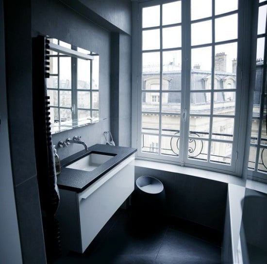 idee-salle-de-bain-noire-13