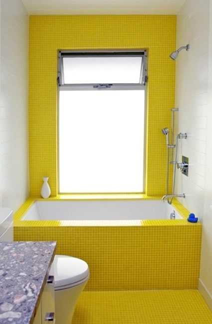 Salle de bains jaune 37 id es qui vont vous faire craquer for Salle de bain jaune