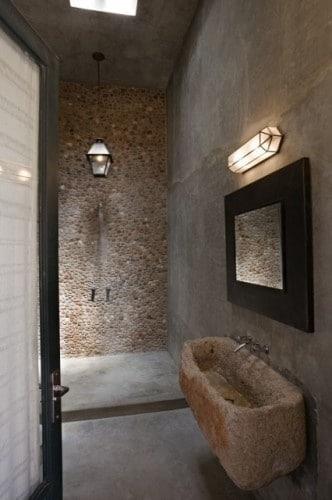 salle-de-bains-pierre-brute-20