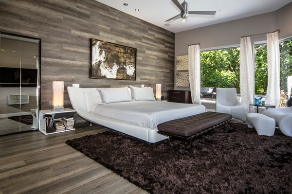 chambre contemporaine avec mur et plancher en bois
