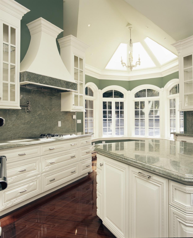 Plan de travail pour cuisine blanche un plan de travail lu0027effet marbre et des briques for Quel plan de travail pour une cuisine blanche