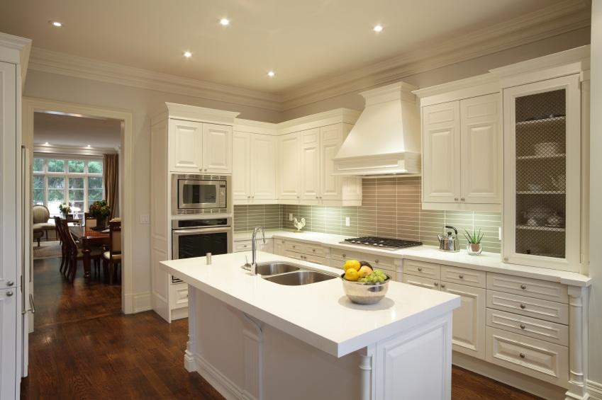 Cuisine blanche 36 id es de luxe pour une cuisine design - Cuisine americaine blanche ...