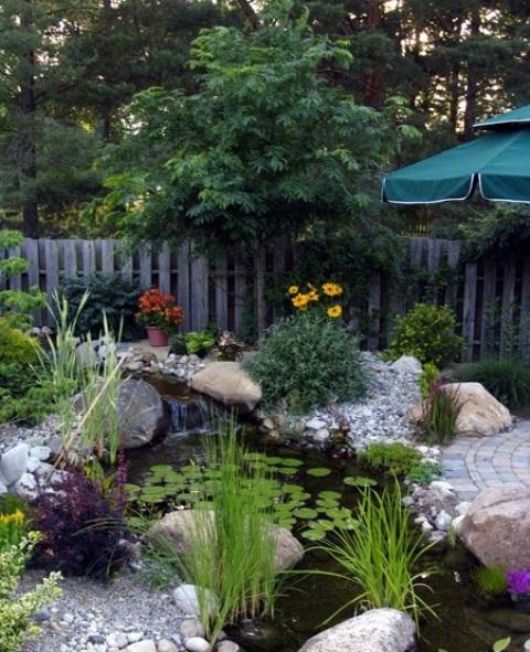 50 photos de bassin de jardin dans tous les styles. Black Bedroom Furniture Sets. Home Design Ideas