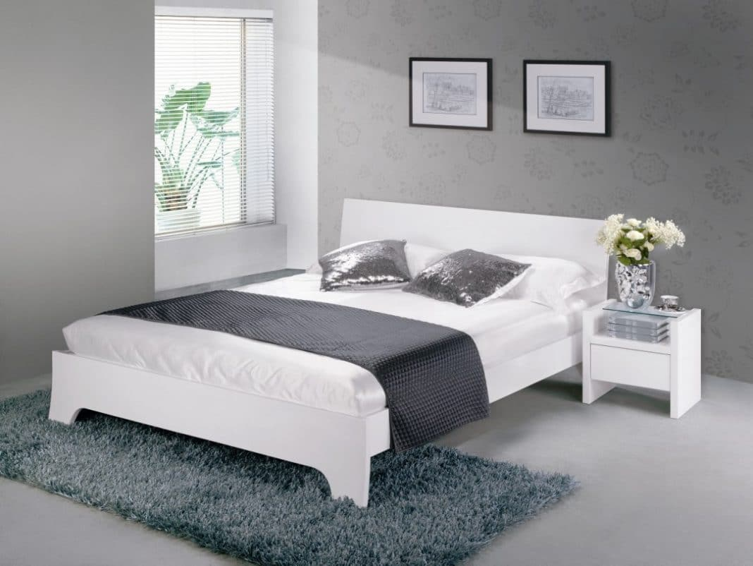 chambre a coucher grise et blanche. Black Bedroom Furniture Sets. Home Design Ideas