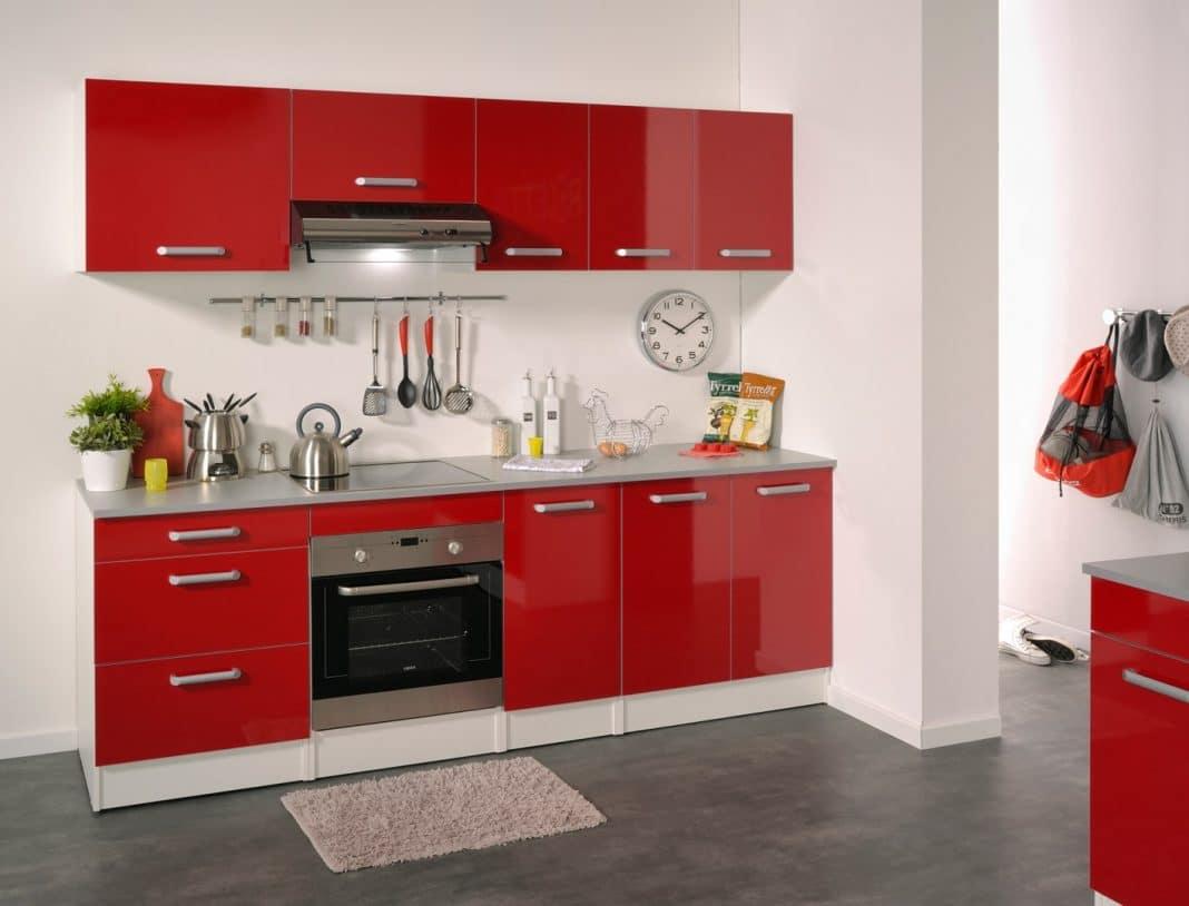 Cuisine rouge et blanche 13 id es et conseils pour l 39 agencer - Meuble cuisine rouge et gris ...