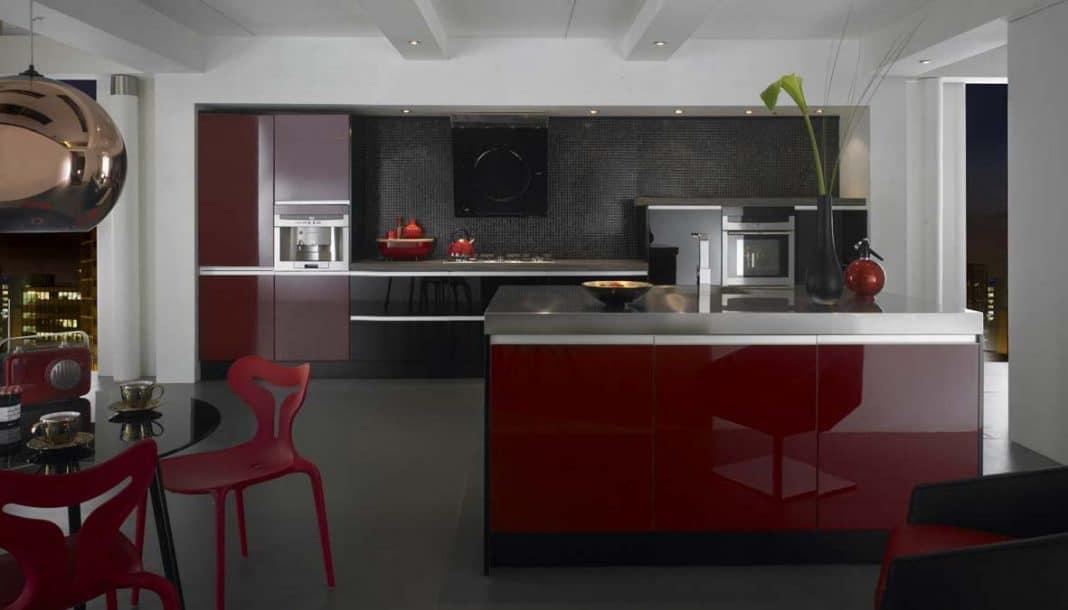 Cuisine rouge ou bordeaux pr l vement d 39 chantillons et un - Chambre couleur bordeaux ...