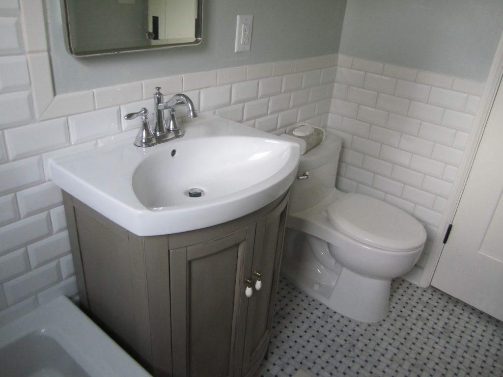Salle De Bain Brique 30 idées incroyables de salle de bain gris et blanc