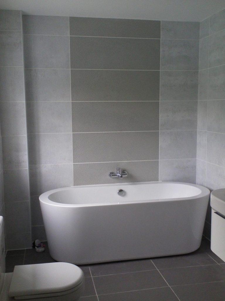 idee-salle-de-bain-gris-blanc (13)