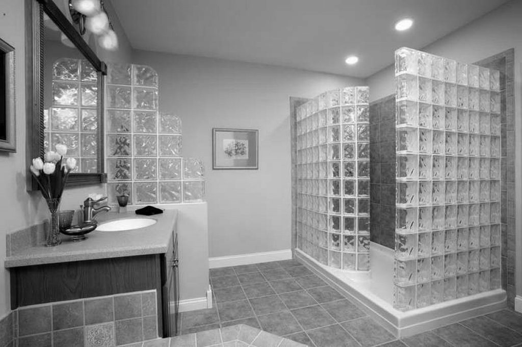 30 id es incroyables de salle de bain gris et blanc - Salle de bain rouge et grise ...