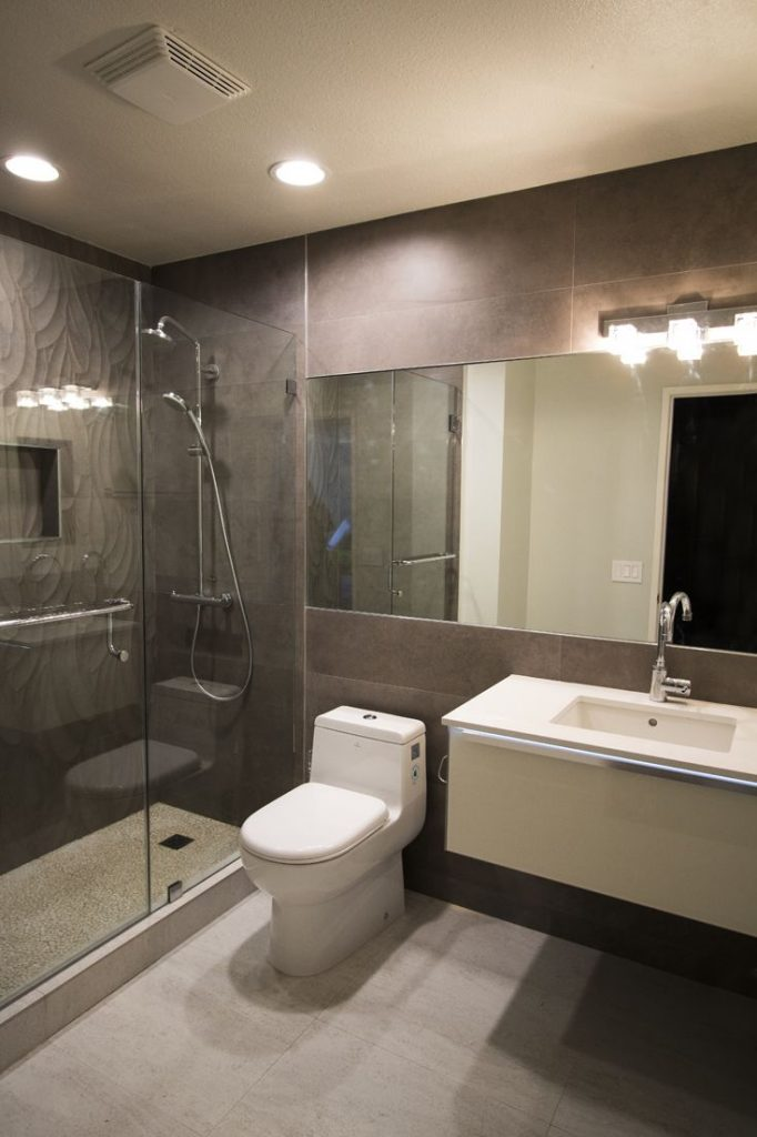 idee-salle-de-bain-taupe (1)